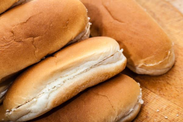 Kotona tehdyt Hotdog-sämylät ovat eritysen hyviä.