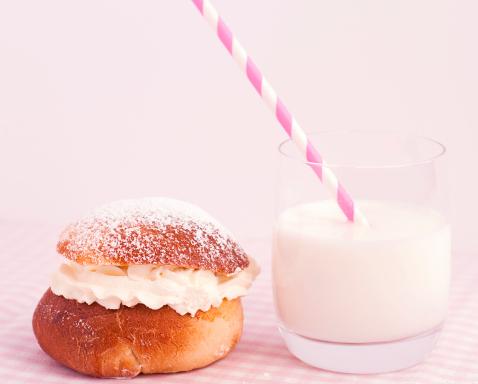 Semla och mjölk - en oslagbar kombination